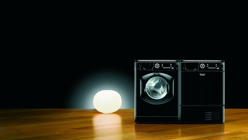 Hotpoint-Black-Washing-Machine
